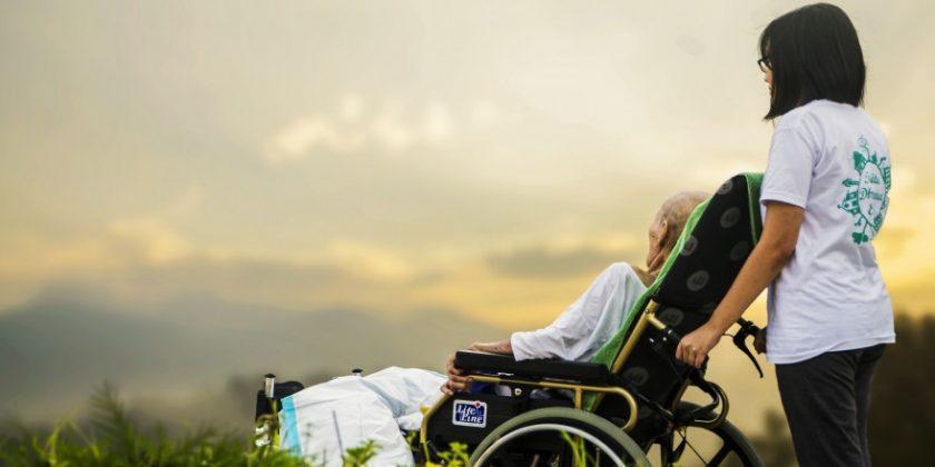Älter wird jeder – IVFP nennt besten Pflegetagegeldtarif