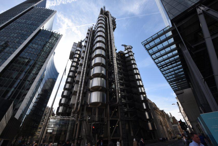 Lloyd's of London rutscht wieder in die Gewinnzone