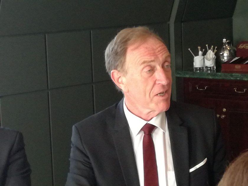 """Provisionsdeckel """"spinnerte Idee des Finanzministeriums"""", Prozess gegen Check 24 – BVK schießt aus allen Rohren"""
