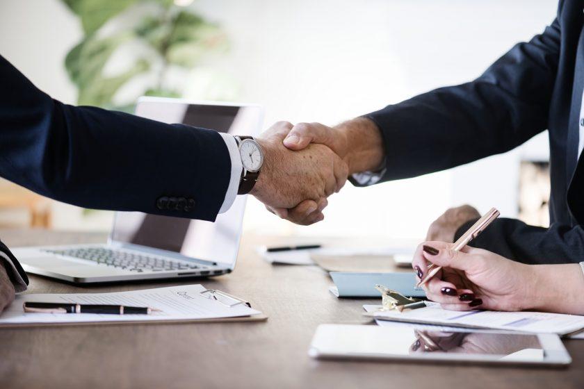 Aon nutzt Element für digitalen Versicherungsvertrieb
