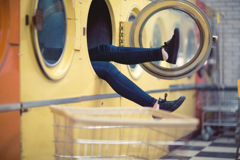 """""""Boss, ich mache kurz die Wäsche"""": Wenn das Homeoffice für Versicherer zum Problem wird"""