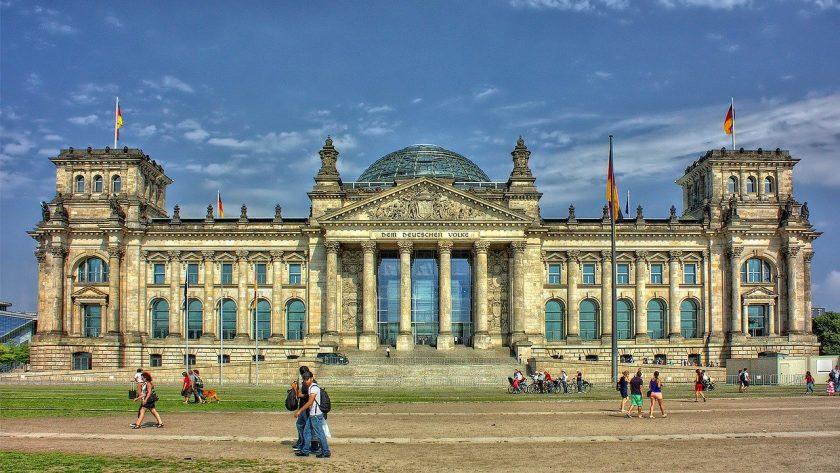 Zu spät? Finanzverbände kämpfen vereint gegen  Deutschlandfonds