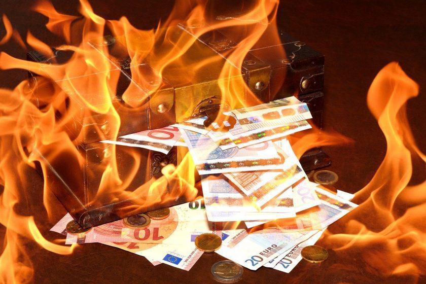 Managerdeckel eingeführt: Versicherungs-CEOs geht es ans Geld