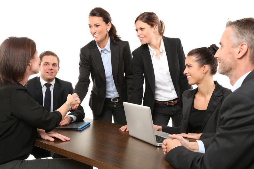 Bayerische und Dela Lebensversicherungen vereinbaren Kooperation