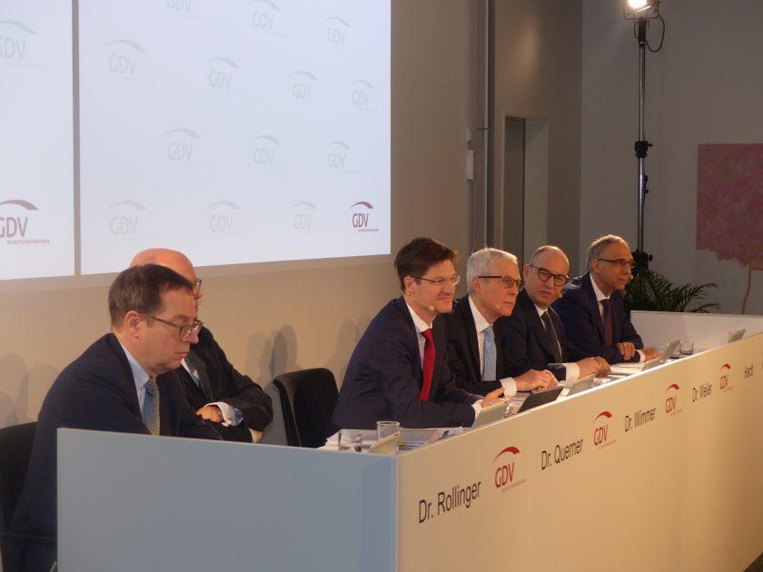 GDV: Gute Zahlen, offene Fragen und Kritik an Merkels Regierung
