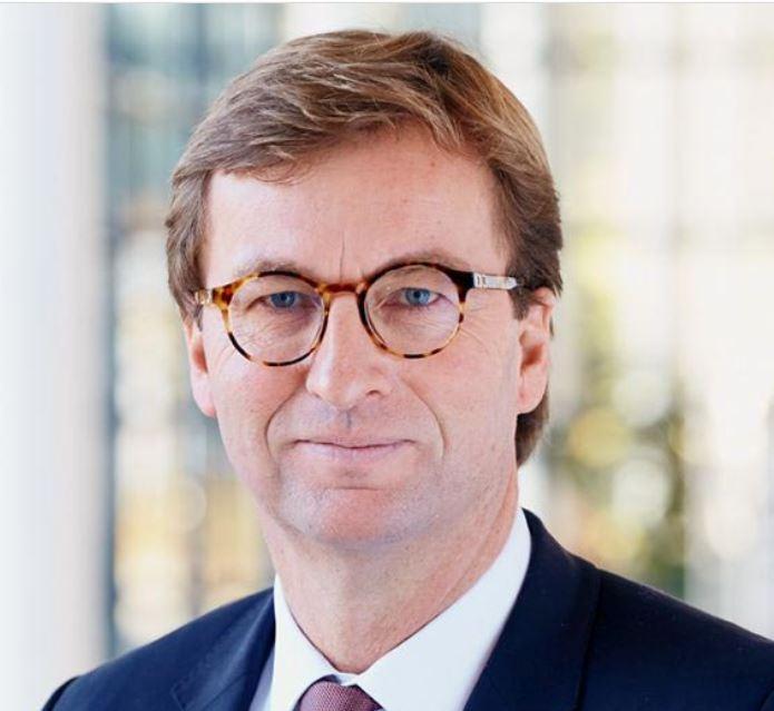 MLP-Chef Uwe Schroeder-Wildberg erwirbt Aktien von der Gründerfamilie Lautenschläger