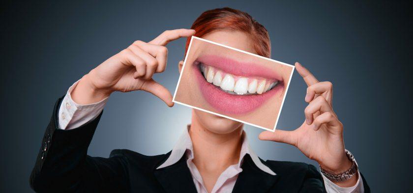 Versicherer vermarkten Zahnzusatzpolicen sehr unterschiedlich