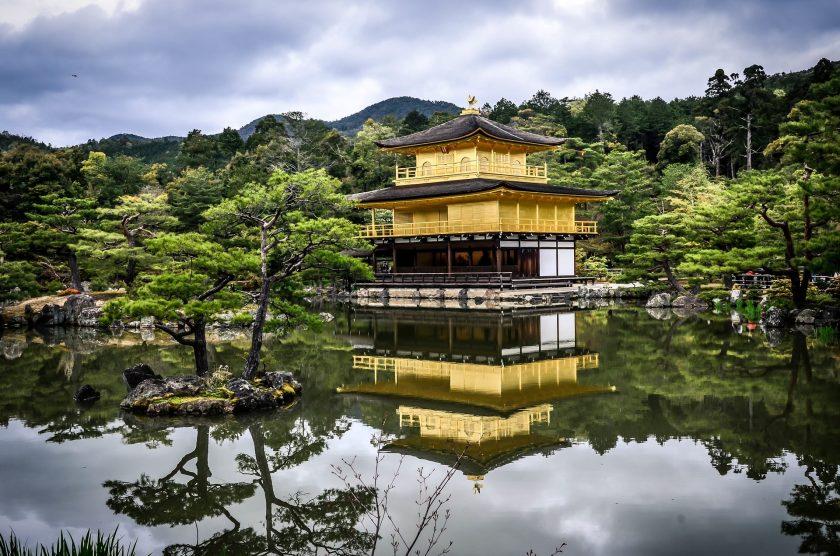 Das Geschäftsmodell japanischer Versicher wackelt