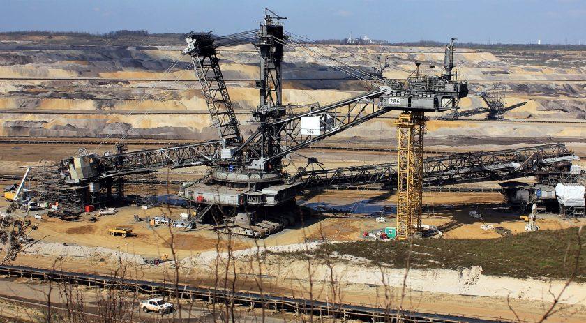 Umweltschützer kritisieren Versicherer für ihre Geschäfte mit Öl- und Gasindustrie