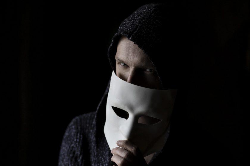 Die üblichen Verdächtigen: Täterprofile von Versicherungsbetrügern im Überblick