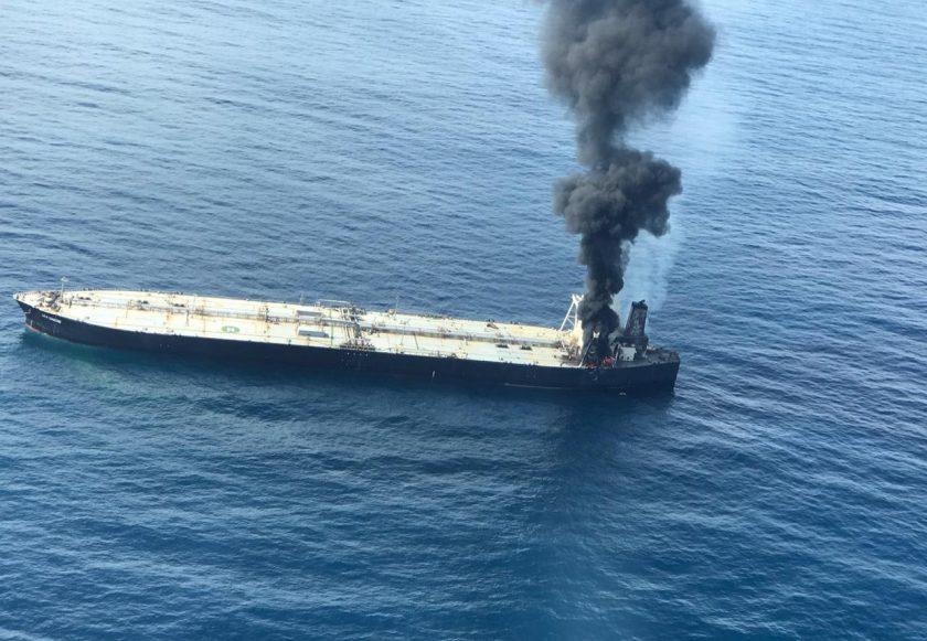 Brennender Öltanker: Größte Öko-Katastrophe seit Jahrzehnten droht