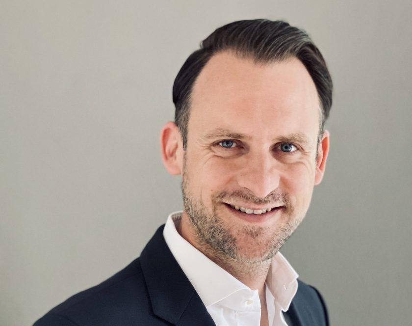 Sebastian Steininger leitet Produktbereich bei Hiscox Deutschland