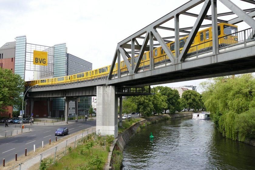 Versicherungsbetrugshauptstadt Berlin: Sachbearbeiter sowie Taxi-und Busfahrer verdächtigt