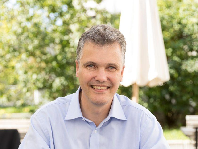 """Bayerische-Vorstandsvorsitzender Schneidemann kritisiert BU-Wettbewerb als """"Rattenrennen"""""""