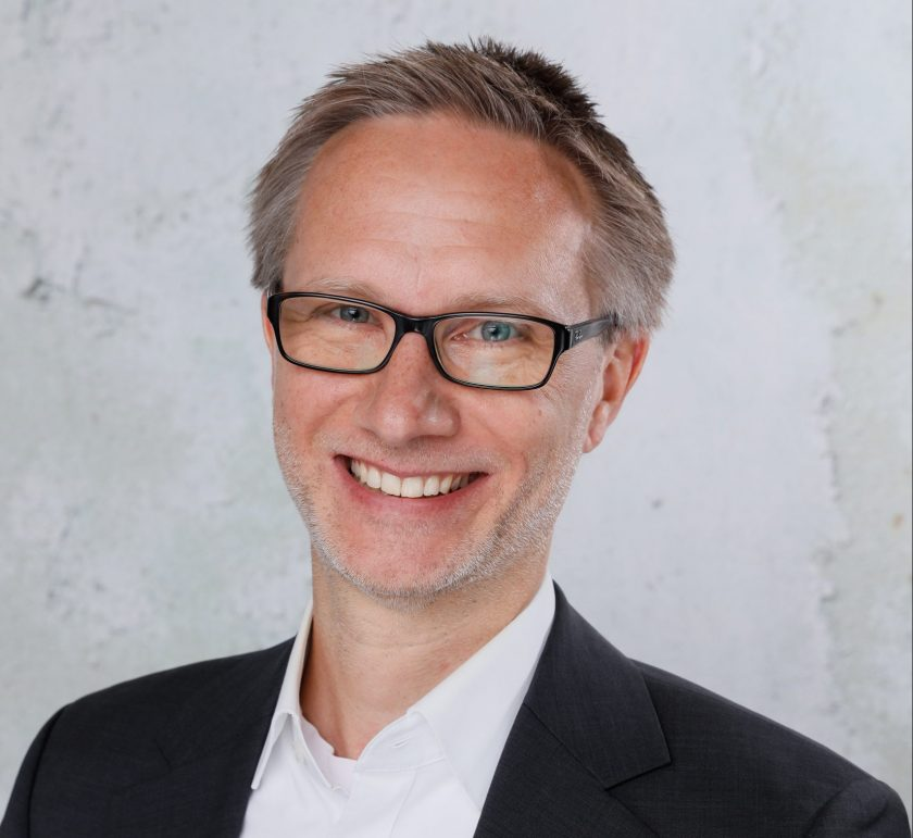 Fabian Engel wechselt als Chief Marketing Officer zum Digitalversicherer helden.de