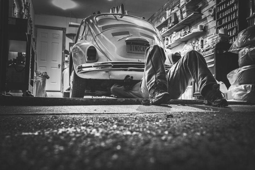 Harter Kfz-Wettbewerb: Wer profitiert von der Werkstattbindung?