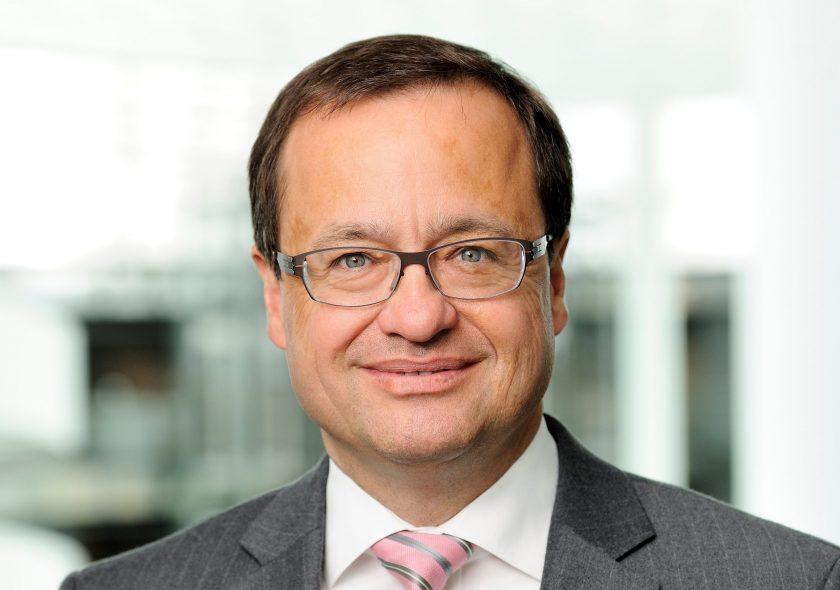 """Christoph Wetzel, Vorstandschef HDI Versicherung: """"Innovationszyklen haben sich auf wenige Wochen bis Monate verkürzt"""""""