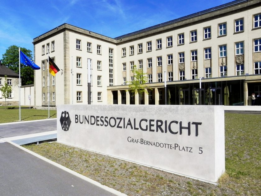 Urteil: Sperrminorität in Mutter-GmbH führt nicht zur Versicherungsfreiheit des Geschäftsführers in Tochter-GmbH