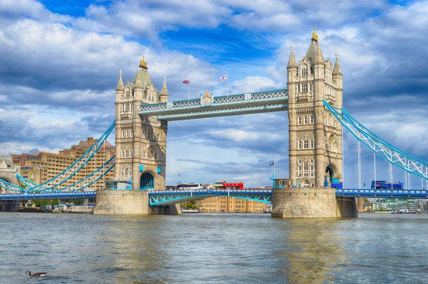 Raisin schließt Mega-Deal mit dem britischen Versicherer Aviva