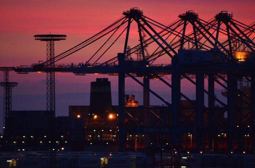 Grausamer Versicherungsbetrug: Mann ertränkt Söhne für Entschädigung im Hafen