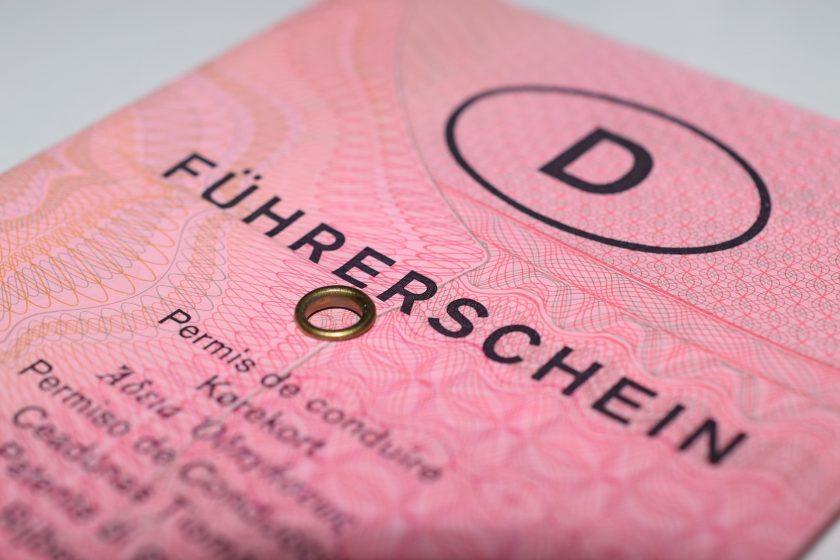 Was übernimmt Deutschlands erste Führerschein-Versicherung?