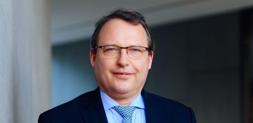 Peak Re ernennt Karlheinz Render zum Senior Vice President Europe in der Schweiz