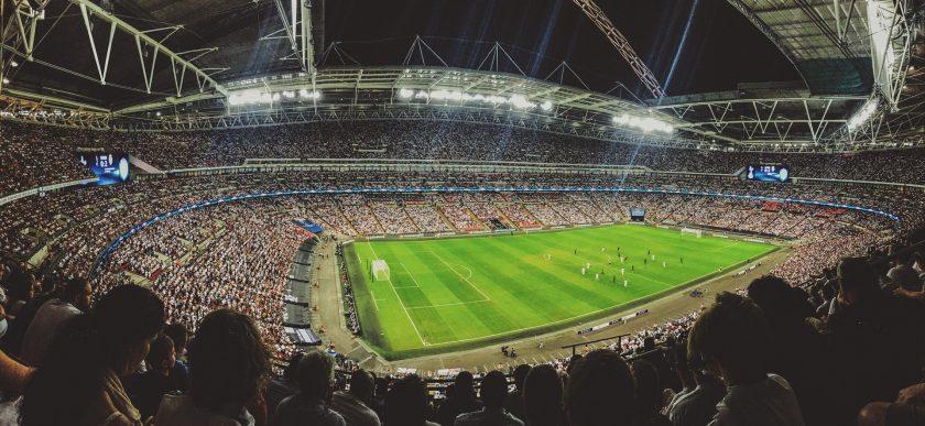 Versicherungsrecht: Englischer Fußball-Verband reagiert auf Demenzrisiken