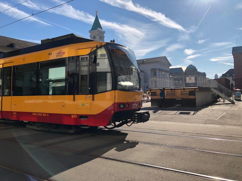 Hitzeschäden bei Karlsruher Straßenbahn können ein Fall für die Versicherer werden