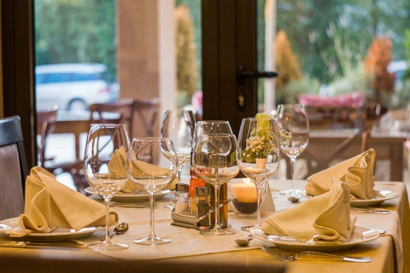 BSV: Axa Frankreich zahlt rund 300 Mio. Euro an französische Gastronomen