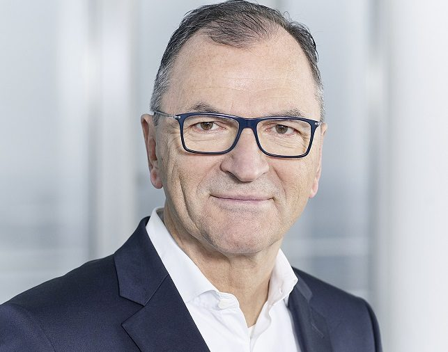 Ergo-Vorstand Mathias Scheuber: Versicherer kann Digitalisierer und Fluthelfer sein