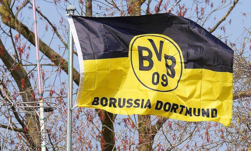 Borussia Dortmund verlängert mit Marcel Schmelzer wegen Versicherung