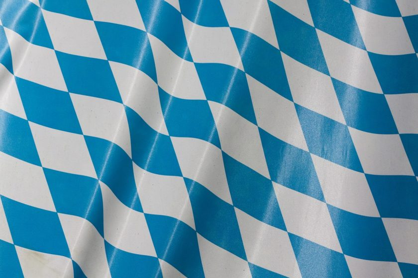 Bayerische hält an Garantien fest, Versicherungskammer kooperiert in bAV