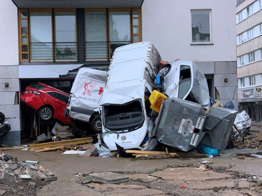 Flutkatastrophe: Branche warnt vor unbezahlbaren Elementarschäden, Politik debattiert über Pflicht