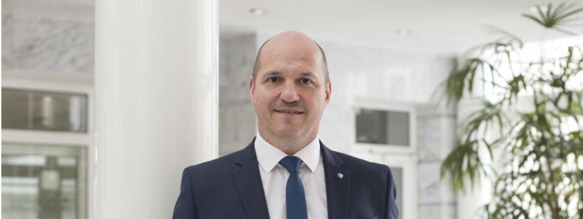 """Stuttgarter-Manager Klapper: """"Wir verbinden Produkte, die bei der Einkommensabsicherung ineinandergreifen"""""""