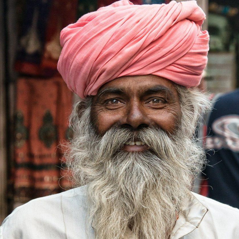 Indien sucht 109-Mrd.-Dollar-Bewertung für staatlichen Lebensversicherer